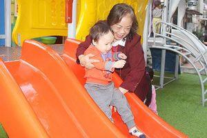 Người phụ nữ 'chiến đấu' giành lại không gian vui chơi cho con trẻ