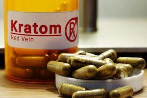 Cảnh báo chất gây nghiện gây ảo giác trong thực phẩm chức năng quảng cáo từ thảo dược thiên nhiên