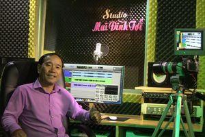 'Quái kiệt' Mai Đình Tới khai trương studio