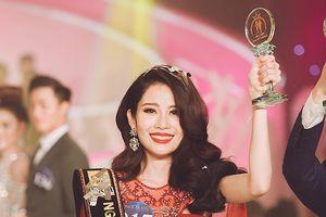 Chị gái song sinh của Nam Em đăng quang Người mẫu thời trang Việt Nam
