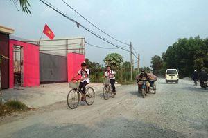 Chủ tịch UBND huyện Hóc Môn giơ cao đánh khẽ?