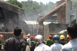 Cháy xưởng gỗ rộng hơn 5.500m2 ở Đà Nẵng