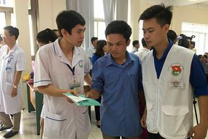 Tuổi trẻ Hòa Bình mở chiến dịch 'Tiếp sức người bệnh'
