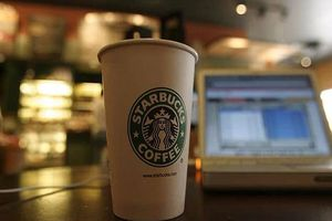 Starbucks phải gắn nhãn cảnh báo ung thư lên cà phê bán tại California