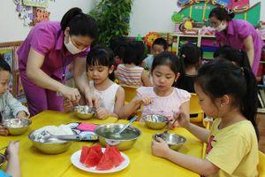 Trẻ biếng ăn chủ yếu do tâm lý