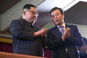Ông Kim Jong Un cởi mở với buổi biểu diễn của những ngôi sao Kpop