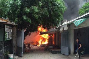Vụ cháy chợ Quang: Chủ tiệm vàng báo mất 200 triệu trong lúc hỗn loạn