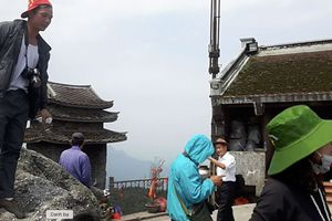 Cảnh tượng nhốn nháo ở chùa Đồng Yên Tử