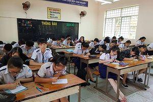 Cuối tuần này, Trường Long Thới họp kỷ luật cô giáo 4 tháng không giảng bài