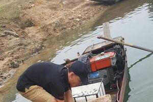 Yên Bái: 'Sốc' với cá trắm 'chúa' khổng lồ 61kg, đại gia xuống tiền ngay