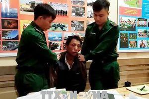 Một cảnh sát bị thương khi vây bắt kẻ vận chuyển ma túy