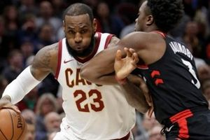 Toronto 106-112 Cleveland: LeBron James dằn mặt Raptors trước playoff