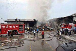 Cháy lớn tại khu công nghiệp ở Quảng Ninh: Xe PCCC từ Trung Quốc sang hỗ trợ