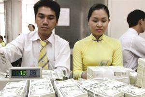 Ngân hàng tìm trợ lực vốn ngoại