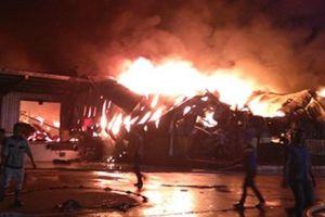 Cháy KCN Hải Yên: Lửa đã tắt, một cảnh sát PCCC nhập viện