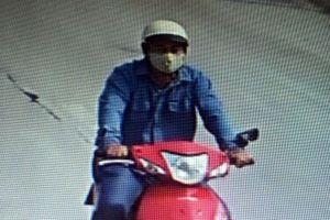 Người đàn ông Trung Quốc đập vỡ kính ô tô trộm 170 triệu đồng
