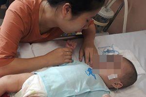 Nhờ y sỹ gần nhà tiêm thuốc chữa viêm phổi, bé 9 tháng tuổi nhập viện khẩn cấp vì bại não