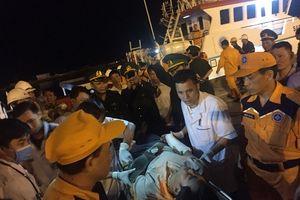 Nghệ An: 19 thuyền viên trong vụ va chạm với tàu lạ đã vào đất liền an toàn