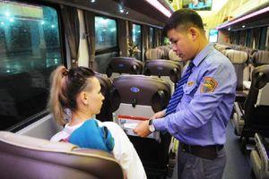 Tiếp viên đường sắt trả lại gần 40 triệu đồng khách bỏ quên trên tàu