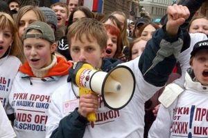 Nga dọa trừng phạt Latvia do 'chỉ dạy chữ Latvia'