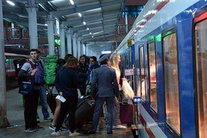 Tiếp viên đường sắt trả lại hơn 37 triệu đồng hành khách để quên