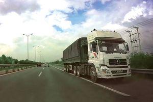 Báo động xe chạy ngược chiều trên cao tốc