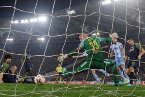 Tứ kết Europa League: Cơn mưa bàn thắng ở Rome