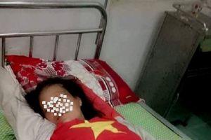 Một phụ nữ tâm thần đi lang thang bị quây đánh vì nghi bắt cóc trẻ em