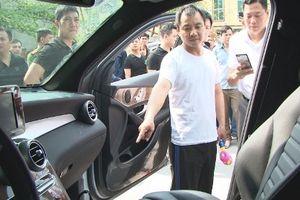 Quảng Ninh: Đập vỡ kính ô tô, đối tượng người Trung Quốc 'cuỗm' 3 tỷ đồng