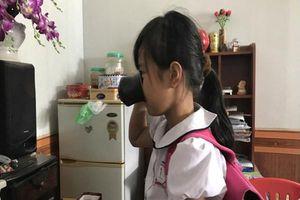 Học sinh bị ép uống nước lau bảng: Mẹ cô giáo giật kết quả khám nghiệm, giằng co với gia đình nạn nhân