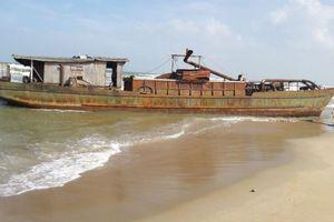 Quảng Nam: Bán đấu giá tàu sắt vô chủ nộp vào ngân sách tỉnh
