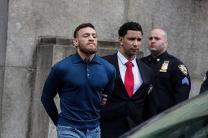 McGregor nộp tiền để tại ngoại, sẽ hầu tòa vào tháng 6