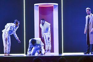 'The Run' - 'Sân khấu phê bình' khởi động