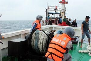 Cứu thành công tàu cá cùng 12 ngư dân bị nạn trên biển
