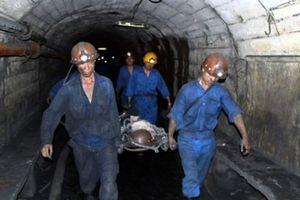 Quảng Ninh: Than đá trượt lở vùi lấp 2 công nhân, 1 người tử vong