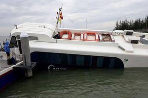 Tàu cao tốc gặp sự cố sau va chạm với vật lạ, 42 hành khách thoát nạn trong gang tấc