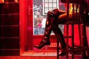 Nghề mại dâm dù được hợp pháp hóa song vẫn xảy ra nhiều bất trắc