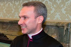 Hồng y Vatican bị bắt vì tàng trữ phim ảnh ấu dâm