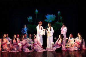 Đổi mới sân khấu Việt để theo kịp thời đại