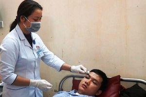 Lại thêm một BS bị người nhà bệnh nhân đánh trọng thương