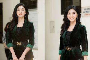 Á hậu Thanh Tú khoe sắc với vest nhung cực chất