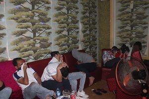 Hàng chục nam thanh nữ tú phê ma túy trong quán karaoke ở Đồng Nai