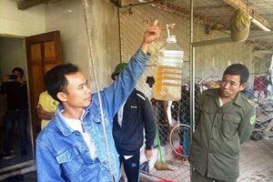 Hà Tĩnh: Dân Hoang mang vì dầu hỏa xuất hiện trong giếng nước ăn