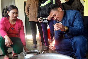 Người dân bất an vì giếng nước bị nhiễm dầu hỏa
