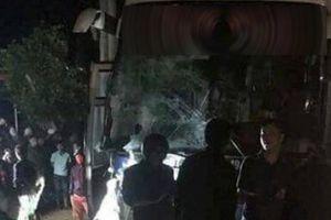 Tai nạn liên hoàn với xe cấp cứu, 6 người thương vong