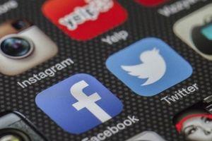 Google và Apple cũng bị ảnh hưởng nặng nề từ scandal của Facebook