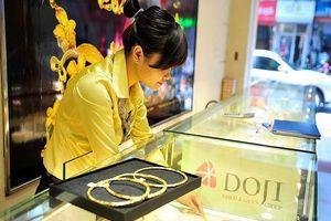 Giá vàng trong nước tiếp đà tăng, cơ hội 'lướt sóng' ?