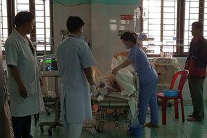 Đắk Nông: Xe cứu thương tông xe khách, 6 người thương vong