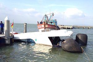 Tàu cao tốc chìm ở biển Cần Giờ do gãy chân vịt