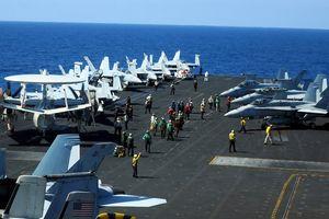 Tàu Trung Quốc lảng vảng gần tàu sân bay Mỹ ở Biển Đông